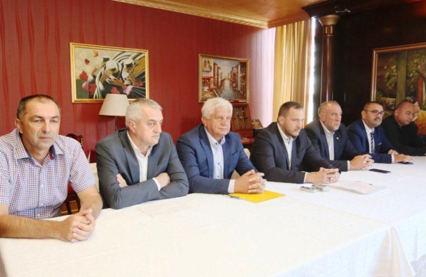 Predsjednici područnih saveza poručili: Kovačević MORA DA ODE sa čela FS RS