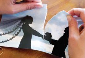 ČEGA GA DUGOGODIŠNJA ROBIJA Toliko je želio da se razvede da je FALSIFIKOVAO ženin potpis (FOTO)