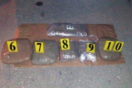 DILERIMA PREDLOŽEN PRITVOR Policija zaplijenila skoro šest i po kilograma skanka