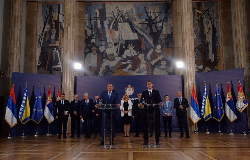 """""""SUKOB BI ZNAČIO KRAJ ZA SVE NAS"""" Vučić nakon sastanka u Beogradu POZIVA NA UZDRŽANOST"""