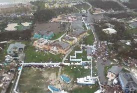 RAZBJESNILI SVIJET Koriste tragediju na Bahamima za SAMOPROMOCIJU polugolih tijela