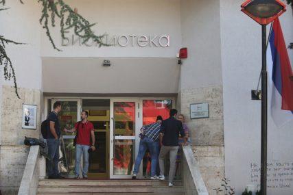 LJETO NA STEPENICAMA BIBLIOTEKE Novi termin promocije knjige Milanke Blagojević