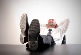 VLADARI IZ SJENKE Direktori javnih preduzeća prolaze, MILIONI NESTAJU, ali oni ostaju