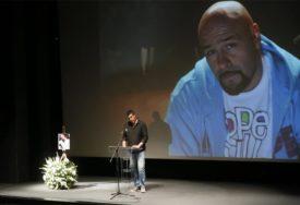 NE VJERUJU DA GA NEMA Mnogobroni prijatelji i kolege odali počast Daliboru Andonovu Gruu