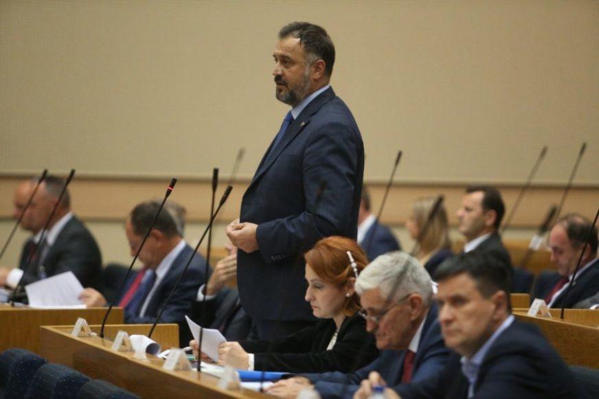 Žunić: U NS RS mora biti postignuto srpsko jedinstvo za odgovor na deklaraciju SDA
