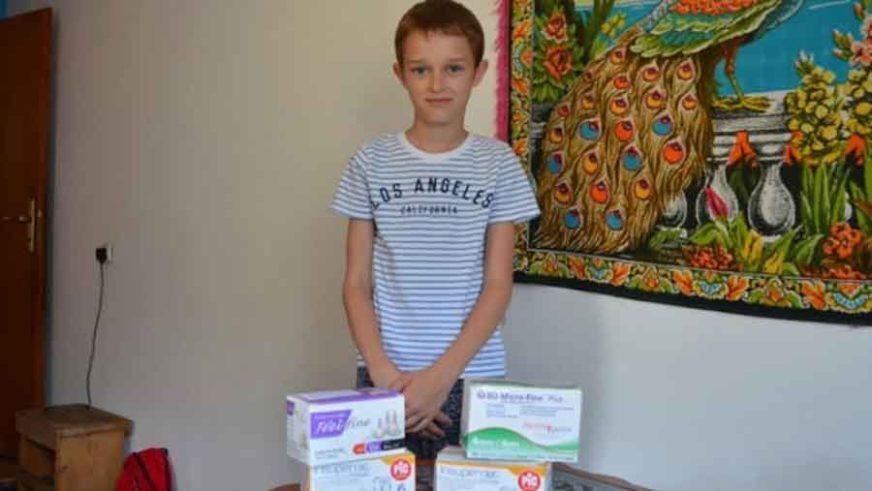 MELVINU TREBA POMOĆ Ovaj hrabri dječak boluje od dijabetesa, voli mlijeko i želi KRAVU