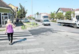 CRNA TAČKA Na raskrsnici na kojoj su stradali djeda i unuka automobilom POKOŠENA ŽENA