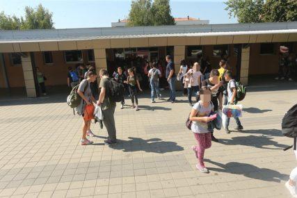 BEZ KVALITETA NEMA PRIVATNIH OSNOVNIH ŠKOLA Šta javnost kaže o prijedlogu izmjena zakona za obrazovanje osnovaca