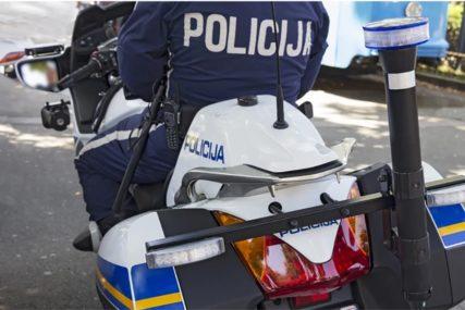 NIJE STAO NA STOP Državljanin BiH ukradenim automobilom BJEŽAO POLICIJI, pa izazvao SUDAR