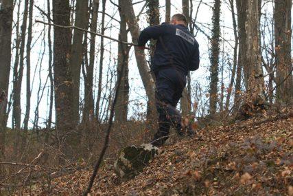 POTRAGA IMALA SRETAN KRAJ Policajci u Modriči pronašli i spasili tri IZGUBLJENA DJEČAKA
