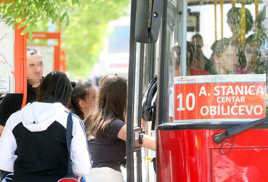 U PRODAJI I MJESEČNE KARTE Od ponedjeljka autobusi saobraćaju po novom redu vožnje