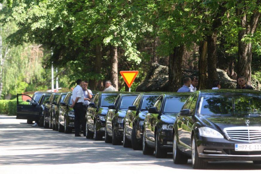 """Provjerili smo ČIME SE VOZE gradski direktori: Na sastanke uglavnom """"polovnjakom"""", samo rijetki biciklom (FOTO)"""