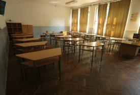 SVE ZAVISI OD EPIDEMIOLOŠKE SITUACIJE Nekim učenicima će biti dozvoljeno da se vrate u školske klupe