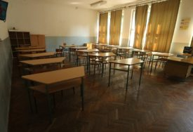 Vlada Tuzlanskog kantona prelomila: Učenici i studenti od ponedjeljka se vraćaju u škole i fakultete