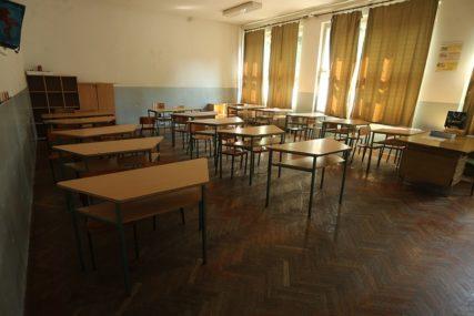 DANAS I SUTRA DEZINFEKCIJA SVIH OBJEKATA Nastava u školama u Brčkom biće nastavljena u srijedu
