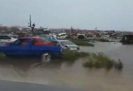 """SVE JE UNIŠTENO Strašni """"Dorijan"""" razorio je Bahame i krenuo ka Floridi (VIDEO)"""
