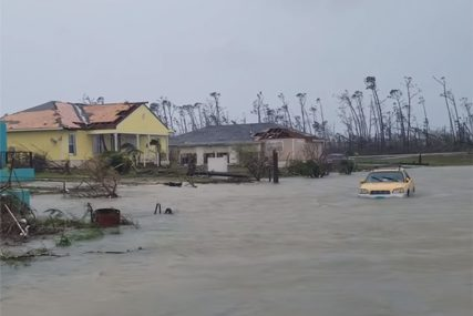 """""""ČUDOVIŠTE"""" Lovac na uragane zabilježio kako je Dorijan protutnjao kroz Bahame (VIDEO)"""
