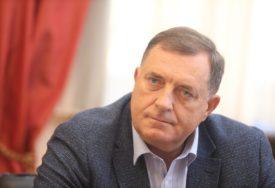 """""""PRIJE SVEGA JE BIO DOBAR ČOVJEK"""" Dodik ističe da je patrijarh Irinej okupio Srbe smirenošću i jednostavnošću"""
