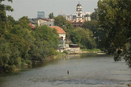 SKOČILI U VRBAS Policajci i SAJ spriječili pokušaj samoubistva u Banjaluci