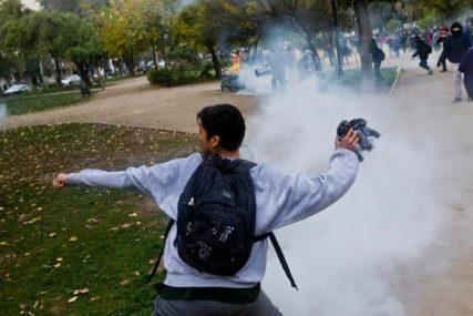 VANREDNO STANJE U ČILEU Protesti prerasli u brutalne sukobe