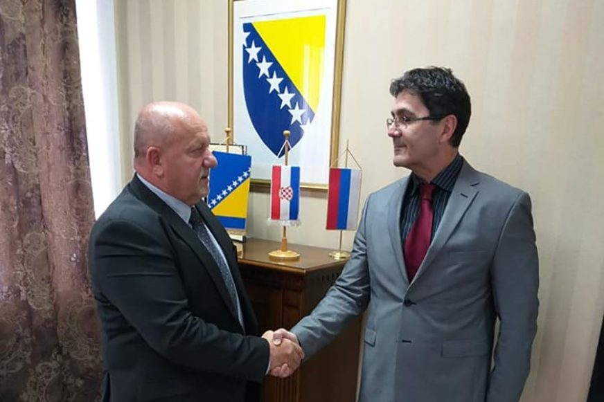 NAĆI NAJBOLJE RJEŠENJE ZA POMJERANJE TRASE Jerković i hrvatski konzul o spornom dijelu auto-puta