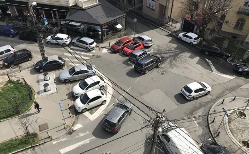 BAHATO PARKIRANJE Da li je ovo najoriginalnija OSVETA bezobzirnim vozačima (FOTO)