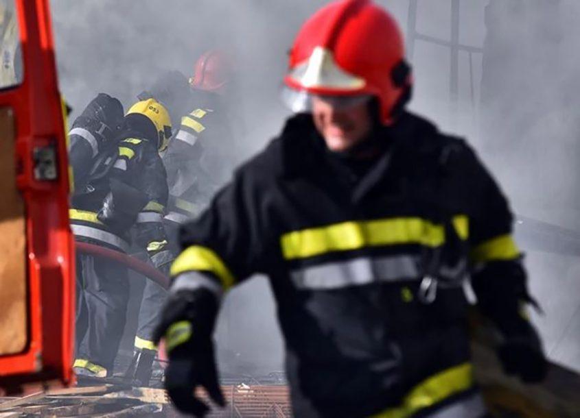 Drama na putu za Boračko jezero: Zapalilo se vozilo u kojem su bili supružnici, požar zahvatio i dio šume
