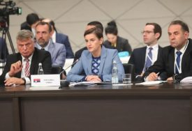 PREMIJERKA SRBIJE U MOSKVI Brnabić potpisala Sporazum o slobodnoj trgovini sa EAEU