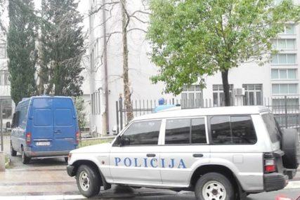 Sumnja se da je UBILA SVOJU BEBU i bacila je u jamu: Policija UHAPSILA ŽENU u bolnici