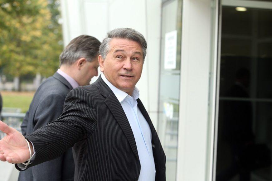 PJEVAČ SE NIJE POJAVIO NA SUĐENJU Banjalučki sud naredio privođenje Halida Muslimovića