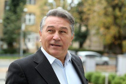 ZAVRŠENO SUĐENJE FOLKERU Halid Muslimović se tereti za nasilje nad ljubavnicom
