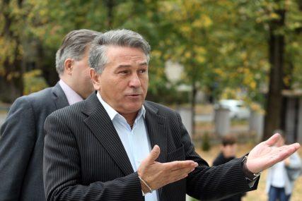 """""""POSTOJI JOŠ JEDNA ŽRTVA"""" Bivša ljubavnica Halida Muslimovića ponovo oplela po pjevaču"""