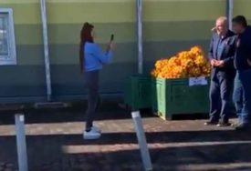 TRAŽI SVOJU DOZU VITAMINA Kod Kristine po mandarine došao i gradonačelnik Zagreba (VIDEO)