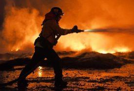 BJESNE POŽARI U AUSTRALIJI Sidnej osvanuo prekriven OBLAKOM DIMA, vlasti izdale upozorenje (FOTO)