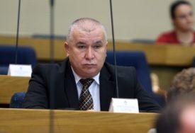 Vasić: Protiv smo vandalizma u institucijama Srpske