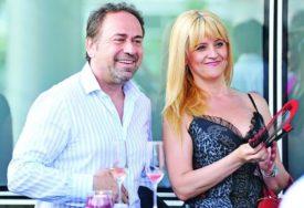ZA PRIMJER Pjevač Marinko Rokvić zarađuje ozbiljne pare, a njegova supruga GAJI SKROMNOST (FOTO)