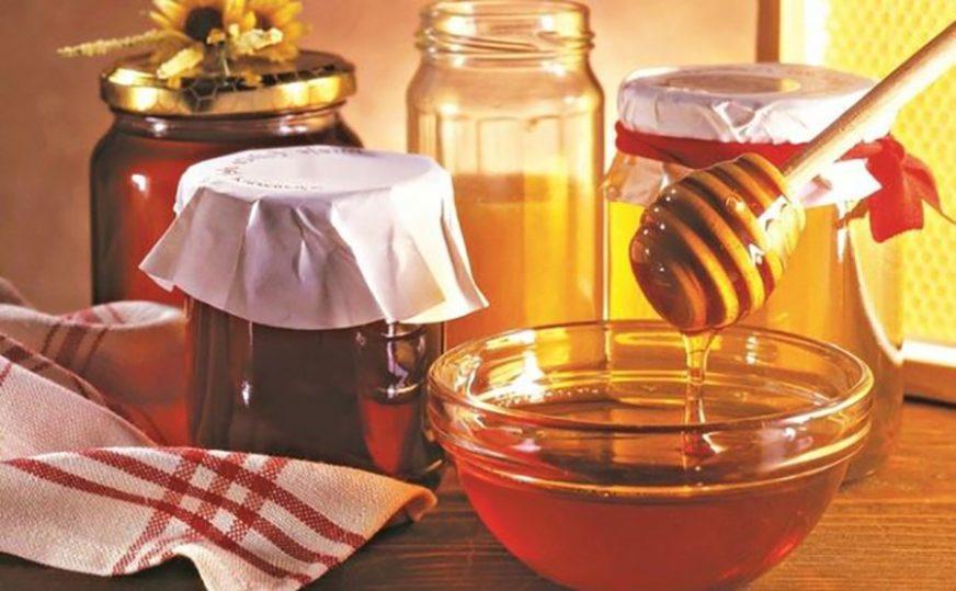 CRNA GODINA ZA PČELARE Vremenski uslovi rezultovali REKORDNO NISKIM prinosom meda