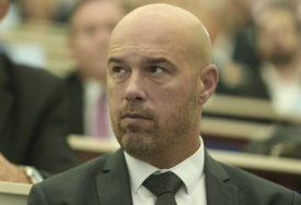 """TEGELTIJA POTVRDIO """"Član VSTS Mahmut Švraka zaražen virusom korona"""""""