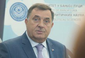 POŠTOVAĆE ONO ŠTA KAŽE STRUKA Dodik: Nećemo oklijevati ako kažu da se zatvore kafići i hoteli
