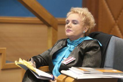 Ima visoko mišljenje o svom radu: Slijepčevićeva sebi dala platu premijera i naknadu od 250 KM po sjednici Komisije
