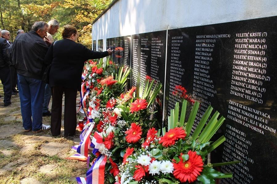 Počast srpskim žrtvama u Kukunjevcu kod Lipika: Sjećanje na dan kada je ubijeno 243 mještana