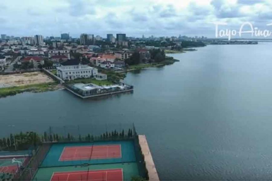 TIHA ATMOSFERA LUKSUZA Milijarderi sagradili BANANA OSTRVO u srcu siromašne Afrike (VIDEO)
