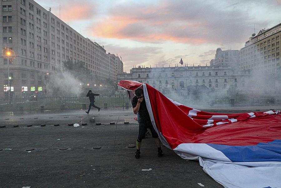 PROTESTI U ČILEU URODILI PLODOM! Postignut dogovor o putu ka novom Ustavu!
