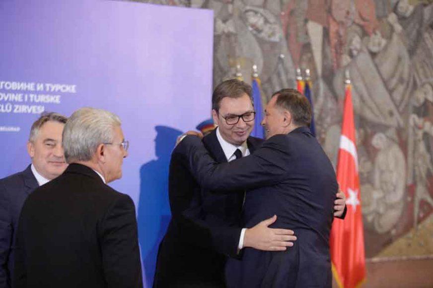 BEZ TENZIJA Erdogan, Dodik, Vučić, Džaferović i Komšić se grle i smiju kao PRAVI JARANI (FOTO)
