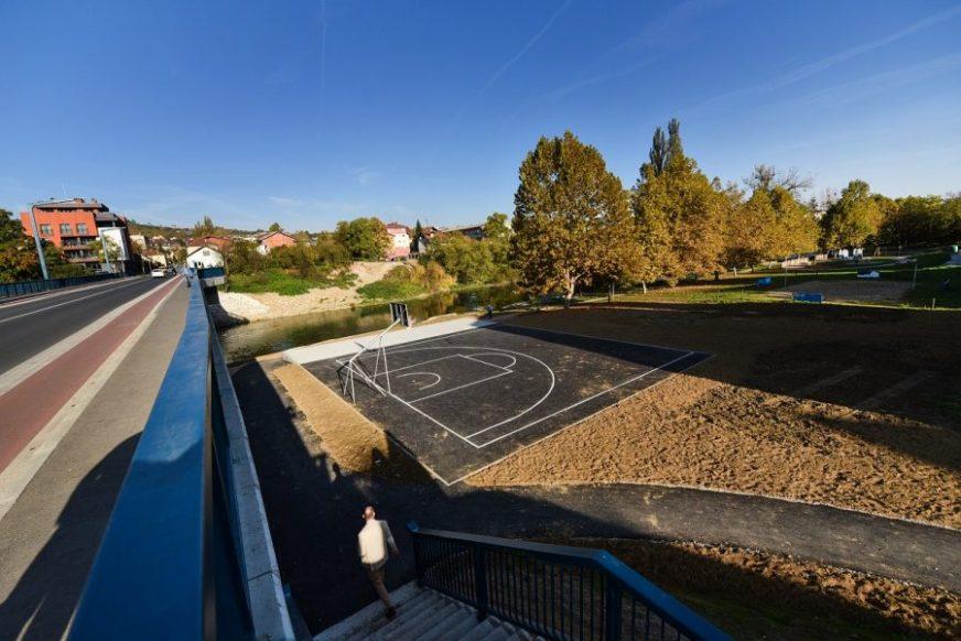 NOVO MJESTO ZA REKREACIJU Na Obilićevu izgađeno košarkaško igralište