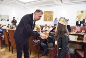 """Mala gradonačelnica vratila """"ključeve grada"""" i poručila: Čini mi se kako je to zanimljiv posao"""