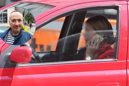 MOJA BANJALUKA Mladen Janjetović: Voze i pričaju telefonom