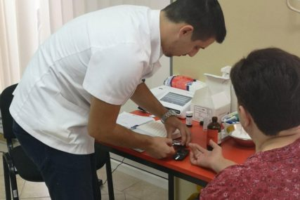 """Nastavak akcije """"Za tvoje dobro"""": U toku besplatni zdravstveni pregledi u Česmi"""