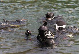 DRAMA NA RIJECI Skela sa petoro ljudi se PREVRNULA u hladnu vodu, muškarac NESTAO U BUJICI
