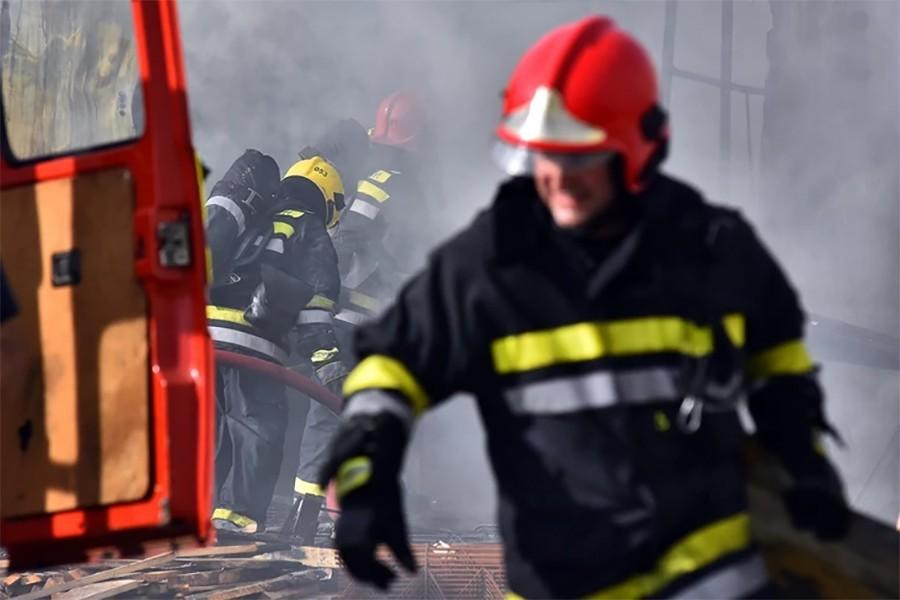POŽAR U UGLJEVIKU Izgorjela porodična kuće, nema povrijeđenih